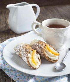 It's GBBO Italian Week! Here are the guides to make perfect cannolis
