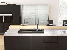 Keramik, Glas und Stahl in der Küche - [SCHÖNER WOHNEN] Loft Kitchen, Kitchen Island, Kitchen Design, Kitchen Ideas, Minimalist Design, Double Vanity, Contemporary, Mirror, Furniture
