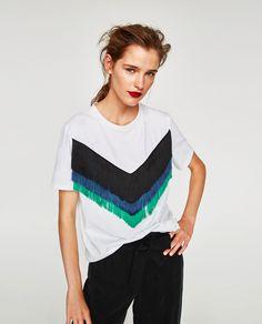 Imagen 2 de CAMISETA FLECOS COLORES de Zara China Fashion, Diy Fashion, Fashion Outfits, Diy Camisa, China Mode, Diy Clothes Refashion, T Shirt Diy, My Outfit, Plus Size Fashion