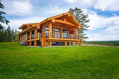 View our picture gallery of the most beautiful log homes and log cabins. View photos of log home interiors, exteriors, kitchens, and architecture. Small Log Cabin, Log Cabin Homes, Log Cabins, Mountain Cabins, Timber Frame Homes, Timber House, Plan Design, Diy Design, Design Ideas