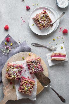 glutenfreier und veganer Himbeer-Streuselkuchen ohne Zucker und Soja! freiknuspern