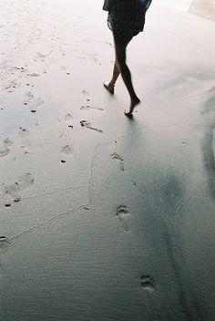 Footprints //