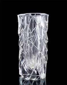 AIMO OKKOLIN - Crystal glass vase for Riihimäen Lasi Oy, Finland.   [h. 36 cm] Glass Design, Design Art, Crystal Vase, Glass Bottles, Finland, Modern Contemporary, Glass Art, Retro Vintage, Tattoo Ideas