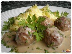 Úžasné Švédske mäsové guľky so zemiakovou kašou. Recept na švédske guľky z mletého mäsa. Najlepšie recepty na mleté mäso Potato Salad, Food And Drink, Soup, Potatoes, Meat, Chicken, Cooking, Ethnic Recipes, Minis