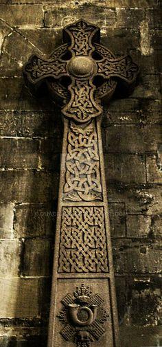 Cross by Quadraro | Celtic Cross in Glasgow Cathedral - Scotland