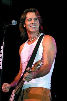 Another Aussie with a guitar...been trying to see him in concert since 1986!
