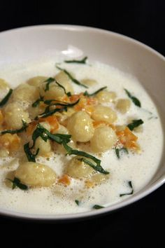 gnocchi parmesan broth william ledeuil Best Picture For real Italian Recipes For Your Taste You are looking for something, and it is going to tell you exactly what you are looking for, and you didn't Pasta Carbonara, Pasta Recipes, Dinner Recipes, Cooking Recipes, Cooking Ideas, Healthy Eating Tips, Healthy Nutrition, Parmesan, Pot Pasta