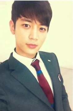 "SHINee's Minho in his school uniform for new show ""To the Beautiful You"""