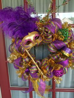 Mardi Gras Centerpieces, Mardi Gras Decorations, Mardi Gras Wreath, Mardi Gras Party, Sweet 16 Birthday, Stuff And Thangs, Deco Mesh Wreaths, Diy Wreath, Holidays And Events