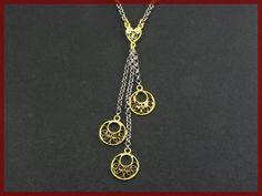 Collier pendente in filigrana di argento 800 di GioielliOliveri Gold Necklace, Pendant Necklace, Silver Filigree, How To Make, Etsy, Jewelry, Quilling, Jewellery Making, Gold Pendant Necklace