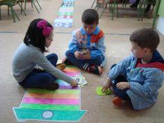 Otro de los juegos que aprendí en el curso de ABN con Teresa Simonet es jugar al burro con los niños. ¿Cómo hago mi baraja de cartas? ... Numeracy, Kids Rugs, Apps, Blog, World, Math Games, Game Cards, Kids Math, How To Make