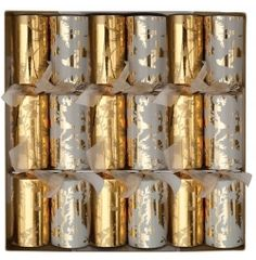 Xmas Crackers really are Crackers for Christmas. Is your Christmas dinner not complete without a good Xmas Cracker? Well certainly in my family. Formal Dinner, Christmas Crackers, Seasonal Decor, Candle Holders, Xmas, Entertaining, Candles, Seasons, Celebrities