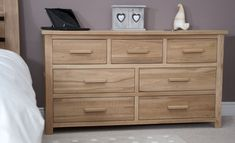 10 Awesome Designs of How to Upgrade Modern Bedroom Chest Of Drawers - Trend Home Design Ideen 2019 Large Chest Of Drawers, Bedroom Chest Of Drawers, Dresser Drawers, Tall Drawers, Bedside Chest, Solid Oak Furniture, Oak Bedroom Furniture, Industrial Furniture, Modern Furniture