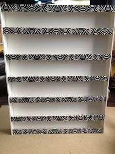 Lace n' Cakes: DIY : Nail Polish Rack! Kids would love this. Ignore typos on site Diy Nail Polish Rack, Nail Polish Stand, Cardboard Storage, Diy Cardboard, Cardboard Organizer, Cardboard Furniture, Diy Home Crafts, Diy Craft Projects, Do It Yourself Inspiration