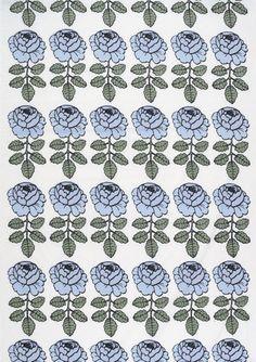 Maalaisruusu blue interior fabric by Marimekko Marimekko Wallpaper, Marimekko Fabric, Drapery Fabric, Fabric Decor, Fabric Design, Fabric Patterns, Print Patterns, Floral Patterns, Hand Painted Wallpaper