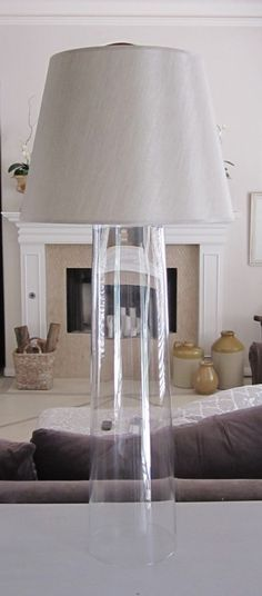 Anythingology: DIY Designer Glass Lamps Good tutorial on how to make a lamp Clear Glass Lamps, Tall Glass Vases, Glass Lamp Base, Diy Luminaire, Diy Lampe, Diy Luz, Creation Deco, Ideias Diy, Diy Décoration