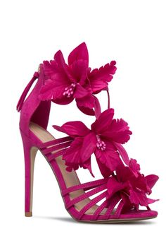 Sexy strappy stiletto sandal with floral embellishment, single sole, and functional back zip. Fancy Shoes, Pretty Shoes, Me Too Shoes, Jeweled Shoes, Bridal Heels, Flower Shoes, Italian Shoes, Shoe Art, Shoe Dazzle