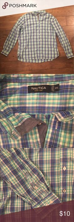 Like New! Náutica Button Down Shirt! Size XXL Awesome Men's button down plaid shirt! Náutica is a great brand! It's a size XXL! Great for a summer wardrobe Nautica Shirts Casual Button Down Shirts