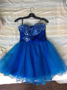 Graduation or Prom Dress, Ladies Size 3 or 4 - VarageSale Sarnia