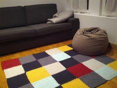 Cheap Non Slip Carpet Runners Product Crochet Mat, Crochet Rug Patterns, Crochet Fabric, Fabric Yarn, Knit Rug, Knit Pillow, Diy Crafts How To Make, Crochet T Shirts, Rainbow Crochet