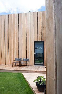 Waney-edge cladding at rear. (deko design / maja house for suomi housing fair) Timber Cladding, Exterior Cladding, Timber Architecture, Architecture Details, Chinese Architecture, Architecture Office, Futuristic Architecture, May House, Wooden Facade