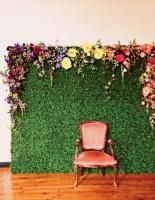 For a conference in Philadelphia earlier this year, local florist Sullivan Owen Floral & Event Design created an eye-catching photo backdrop adorned with fresh flowers. Owen has since brought the backdrop to other events in the area and is working on new variations.