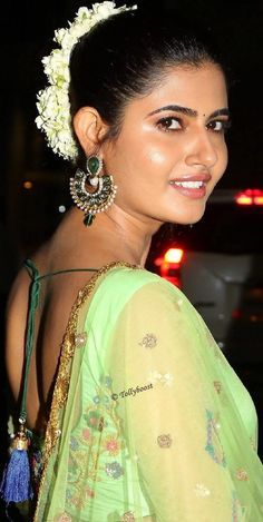 Tollywood Actress Ashima Narwal beautiful with pulled back hair, gajra flowers in hair, glam makeup, chand baali earrings, open back choli blouse. Beautiful Saree, Beautiful Women, Simply Beautiful, Oily Face, Angels Beauty, Sari, Perfect Woman, India Beauty, Actress Photos