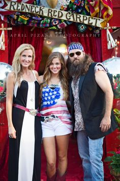 KORie, SADie & WILLIE RObertson from DUCK COmmander . .  the DUCK DYNASTY fam on the REDNECK REDCARPET . . {junk gypsy co}