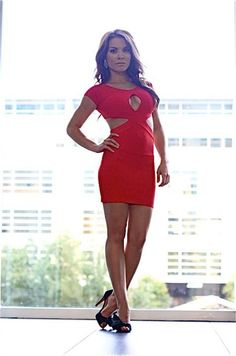 Haili of All Ze Details wears bold red bodycon dress, Louboutin shoes & BHLDN accessories. All on Ze Blog #allzedetails
