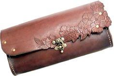 Blossom clutch I - jordbrun - CUSTOM ORDER