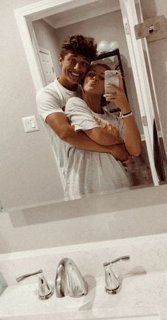 not my pic I Need A Boyfriend, Wanting A Boyfriend, Boyfriend Pictures, Boyfriend Goals, Future Boyfriend, Cute Couples Photos, Cute Couple Pictures, Cute Couples Goals, Cute Photos