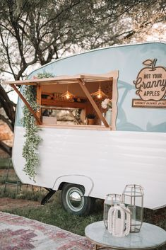 Meet Winnie! Custom built vintage caramel apple trailer available for rent for any celebration! The best gourmet caramel apples you'll ever eat and the sweetest camper you'll ever meet😘 @yo.apples #vintagetrailer #vintagefoodtruck #foodtruckdesigns #notyourgrannysapples #weddingfoodtruck #caramelapple #gourmetcaramelapple #foodtruck #vintage #custombuilt