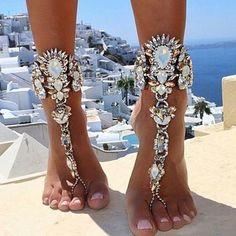 gelinlikbu:  Beach wedding  #weddingday #beachwedding  #wedding #bride bugelinlik.com