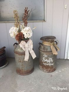 Gorgeous Rustic Farmhouse Porch Design Ideas in 2020 Rustic Outdoor, Rustic Decor, Primitive Decor, Rustic Chic, Outdoor Ideas, Outdoor Decor, Milk Can Decor, Old Milk Cans, Vintage Milk Can
