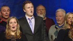 Her framført under kabareten til ære for visesongaren Ottar Wiik, som har skreve teksten*Sognesangen*