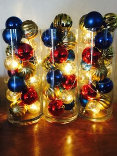 15 Easy DIY Ways To Decorate Your Home For Christmas - Twins Dish Christmas Balls in Vase With Lights/ Easy DIY Christmas Decorations Christmas Vases, Easy Christmas Decorations, Holiday Centerpieces, Christmas Projects, Simple Christmas, Christmas Home, Christmas Lights, Holiday Crafts, Christmas Wreaths