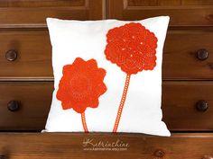 Almohada de acento decorativo almohada cubierta con ganchillo Doily Applique OOAK blanco y naranja