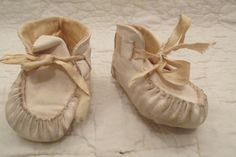 Vintage Leather Infant Booties White by rarefinds4u on Etsy
