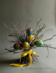 13 Egg Themed Decor To Try This Easter HomelySmart # easter # decoration Auslief . - 13 Egg Themed Decor To Try This Easter HomelySmart # easter # decoration Give gypsies a career so f - Happy Easter, Easter Bunny, Easter Eggs, Easter Food, Deco Floral, Arte Floral, Easter Projects, Easter Crafts, Diy Projects