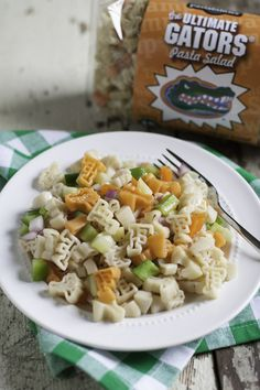Ultimate Gators Pasta Salad- Add peppers, red onion, cucumber, oil and vinegar and our vinaigrette seasoning packet to make this delicious recipe! Yummy Pasta Recipes, Pasta Salad Recipes, Healthy Recipes, Rice Recipes, Tailgate Food, Food Tasting, How To Make Salad, How To Cook Pasta, Summer Recipes