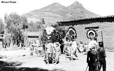 Danzantes de la Pluma en Cd. de Oaxaca , Oaxaca Mexico