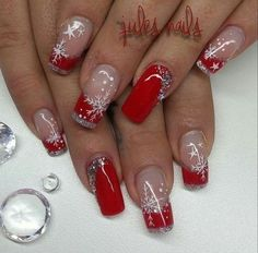 Here is a tutorial for an interesting Christmas nail art Silver glitter on a white background – a very elegant idea to welcome Christmas with style Decoration in a light garland for your Christmas nails Materials and tools needed: base… Continue Reading → Cute Christmas Nails, Xmas Nails, Holiday Nails, Fun Nails, Elegant Christmas, Valentine Nails, Christmas Makeup, Christmas Nail Art Designs, Winter Nail Designs