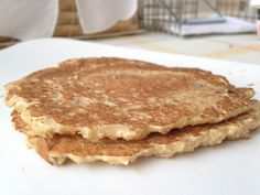 Healthy oatmeal pancake recipe #healthyrecipes #weightwatchers #oatmealrecipes So yummy you won't believe it's healthy!