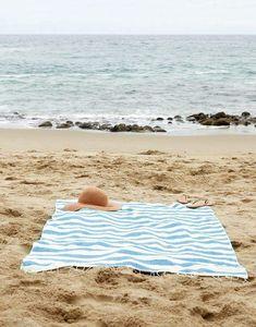 blue beach towel {the little market} copy Beach Bum, Summer Beach, Beach Towel, Blue Beach, Beach Waves, Summer Vibes, Beach Please, Reportage Photo, I Love The Beach