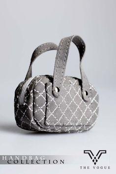 The Vogue Grey Chamoi Handbag Hobo for Barbie Silkstone Fashion Royalty