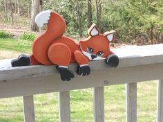 Adorable somnolent renard lartisanat en bois étagère