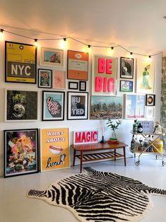Room Ideas Bedroom, Bedroom Decor, Wall Art Bedroom, Room Wall Decor, Quirky Bedroom, Gallery Wall Bedroom, Design Bedroom, Home Decor Wall Art, Aesthetic Room Decor