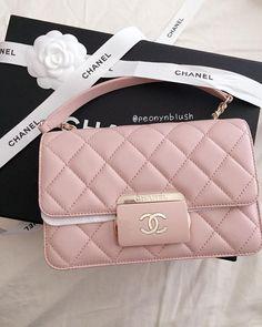 So Beautiful! Chanel Flap Bag For Fashion Women. Best Accessories To Wear. So Beautiful! Chanel Flap Bag For Fashion Women. Best Accessories To Wear. Coco Chanel, Chanel Blush, Pink Chanel Bag, Chanel Fashion Show, Fashion Bags, Fashion Women, Coco Fashion, Luxury Bags, Luxury Handbags