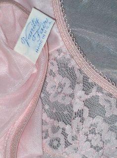 Pink VF Vanity Fair, Pink, Stuff To Buy, Vintage, Vintage Comics, Vanity Fair Magazine, Pink Hair, Roses