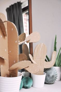 We are seeing a lot of cacti right now. Here is a small DIY guide to start … - Cactus DIY Deco Cactus, Cactus Decor, Cute Crafts, Diy And Crafts, Diy Paper, Paper Art, Anniversaire Cow-boy, Diy For Kids, Crafts For Kids